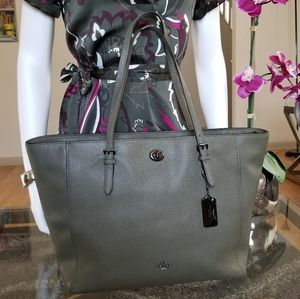 Gorgeous & Unique COACH Large Tote.